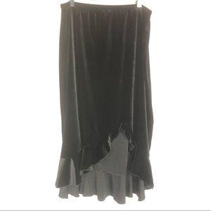 Susan Lawrence 1x Black velvety asymmetrical skirt
